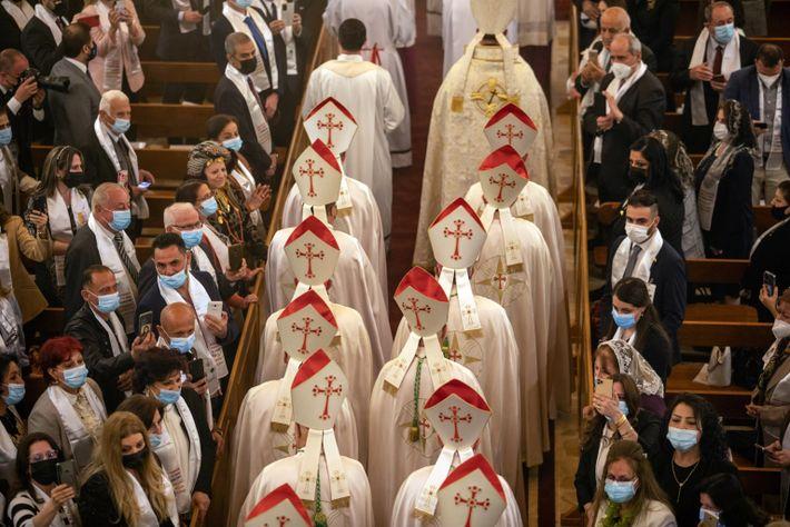 Papa Francisco reza uma missa na catedral de São José em Bagdá no sábado, 6 de ...