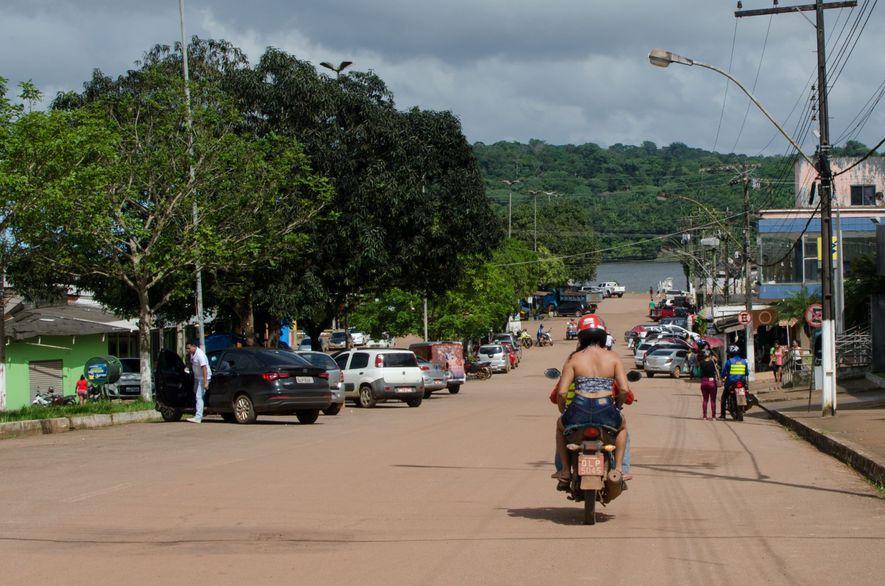 Vista de Oiapoque: do outro lado do rio está a Guiana Francesa.