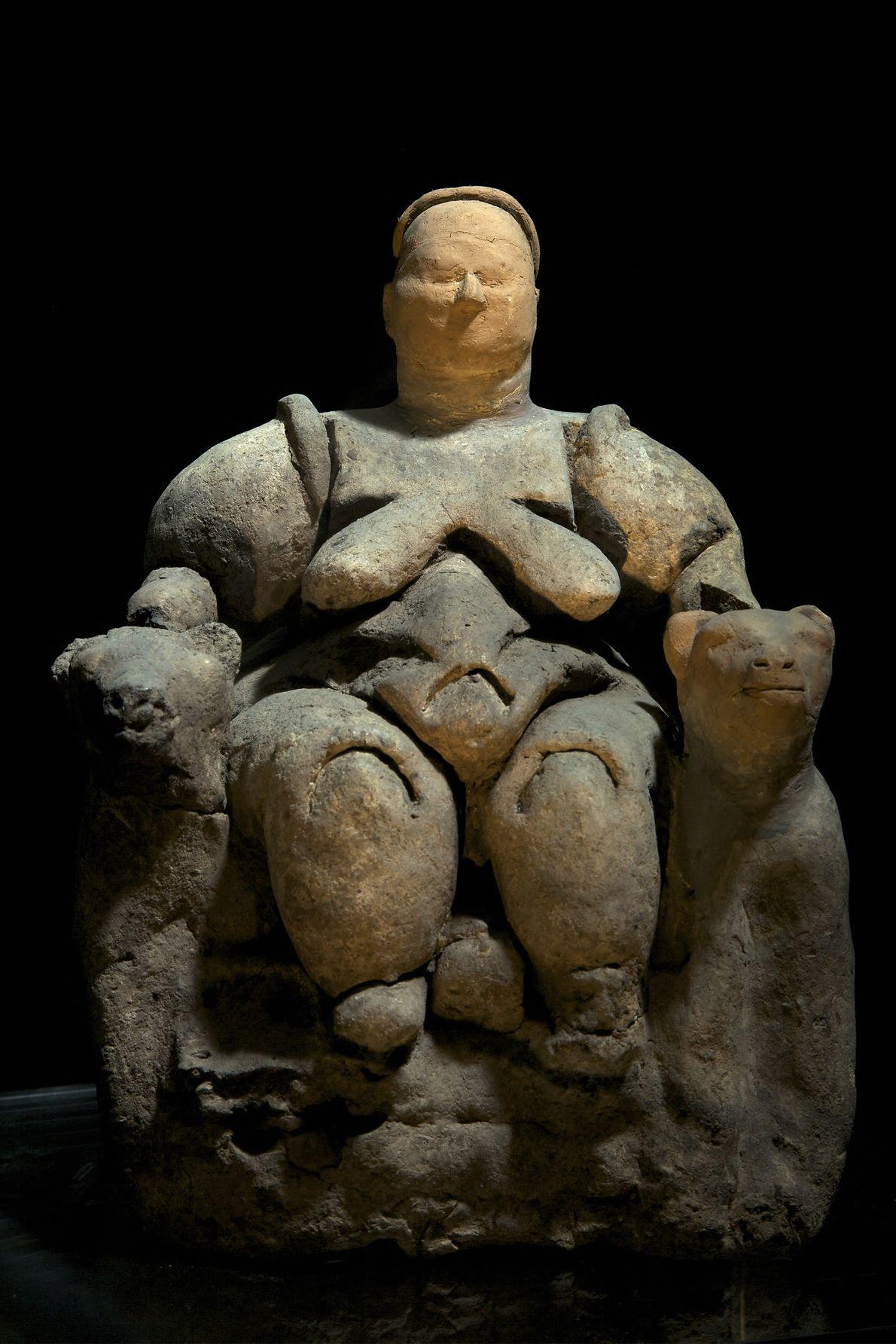 Esta escultura da mãe-deusa Kybele foi encontrada em Catalhoyuk, na Turquia, e é comumente citada como ...