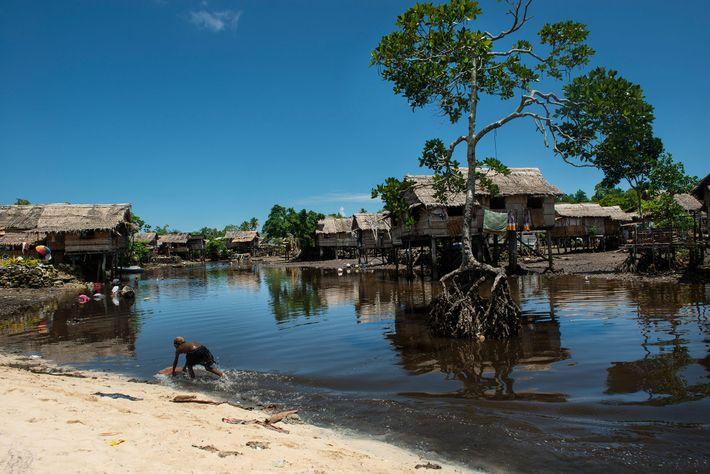 Lilisiana é um vilarejo que luta contra o aumento do nível do mar perto da capital ...
