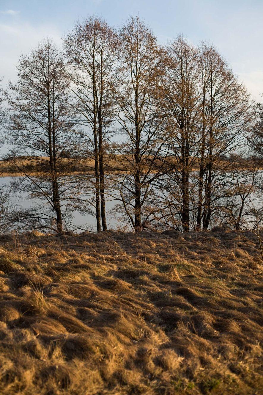 A casa de Erna Schneider na Lituânia está localizada perto do Lago Orija, visto aqui à ...