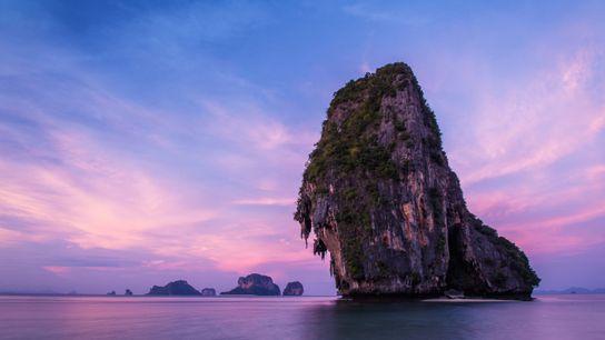 praia Phra Nang, Tailândia.