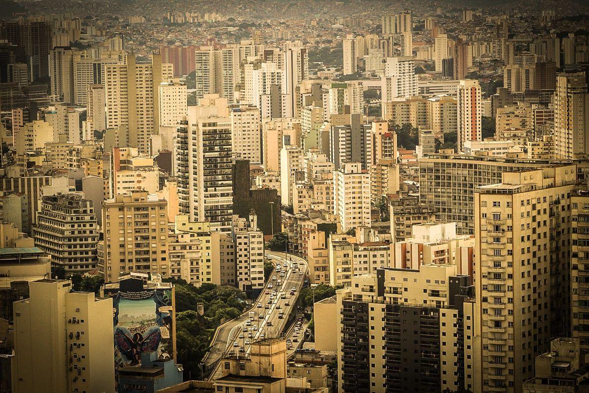 Minhocão visto do alto do edifício Copan, no centro de São Paulo (SP).