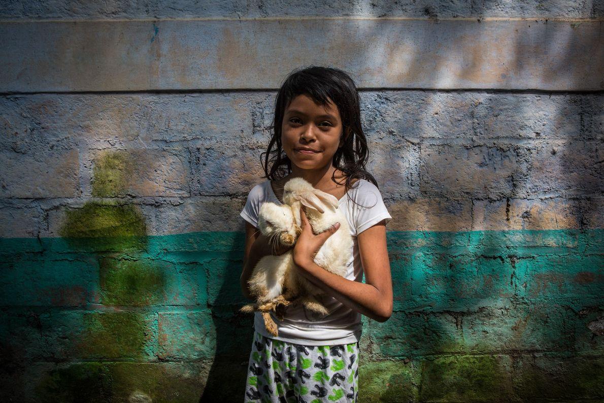 Nejapa fica sobre um dos maiores aquíferos de El Salvador, alimentando comunidades vizinhas e grande parte ...