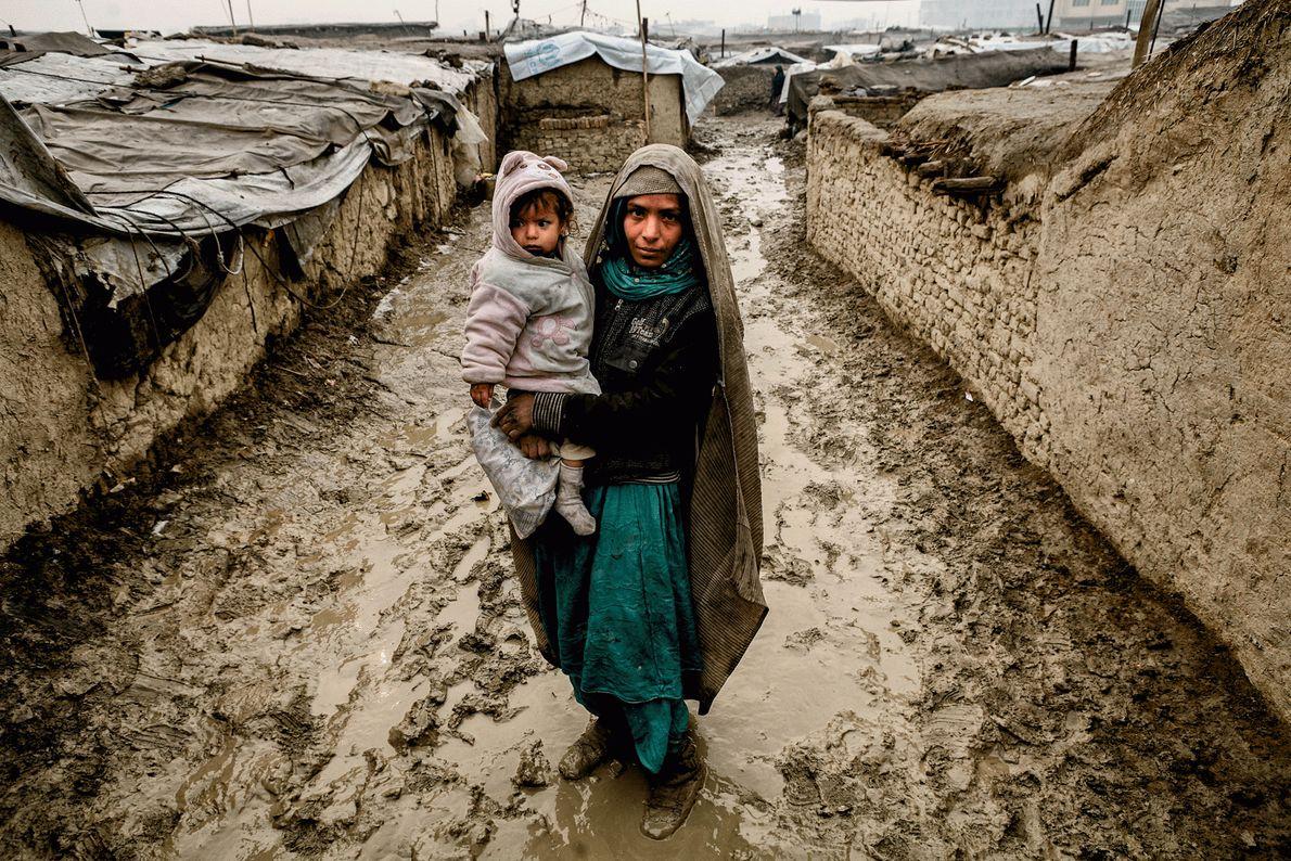 Picture de uma afegã deslocada internamente