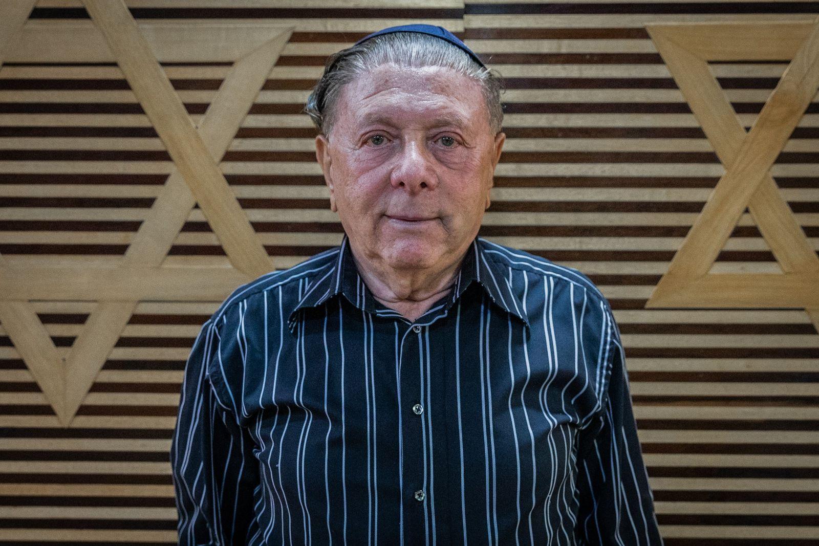 Joshua Strul aos 86 anos, na sinagoga do Clube Hebraica, em São Paulo: o antissemitismo na ...