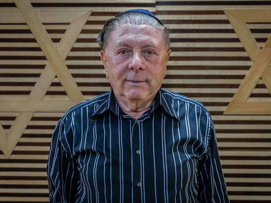 As atrocidades do antissemitismo nazista na Romênia sob o olhar de um garoto