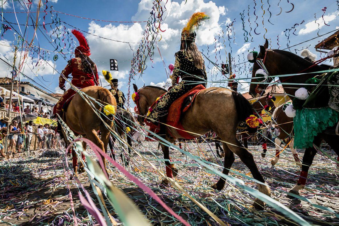 sua foto carnaval a cavalo