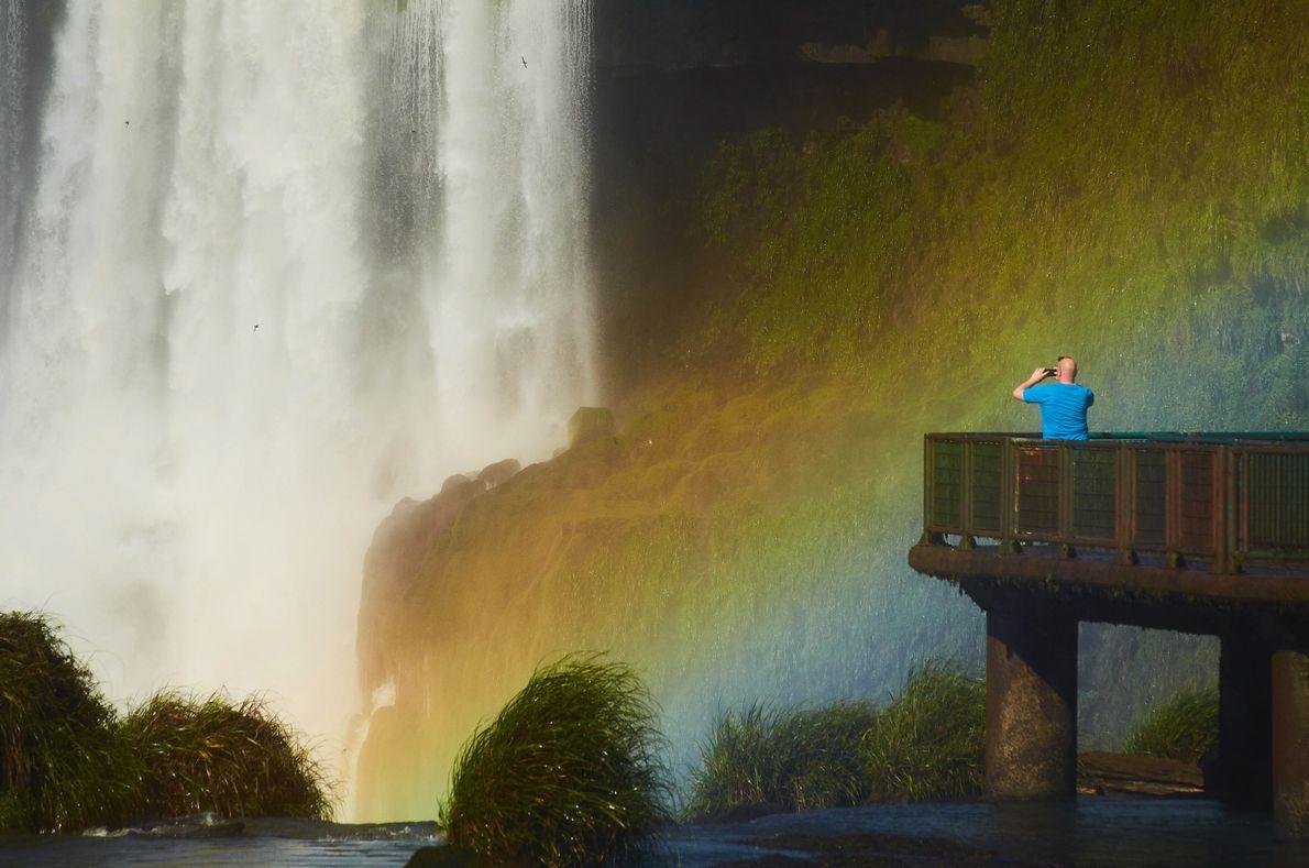 sua foto arco iris cataratas do iguacu