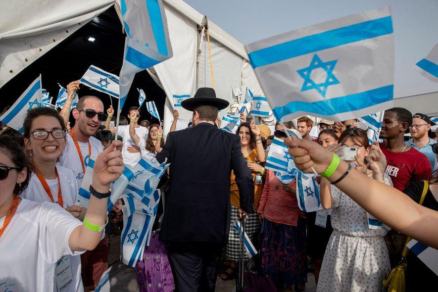 Aumento de antissemitismo na Europa obriga judeus franceses a fugirem de seu país