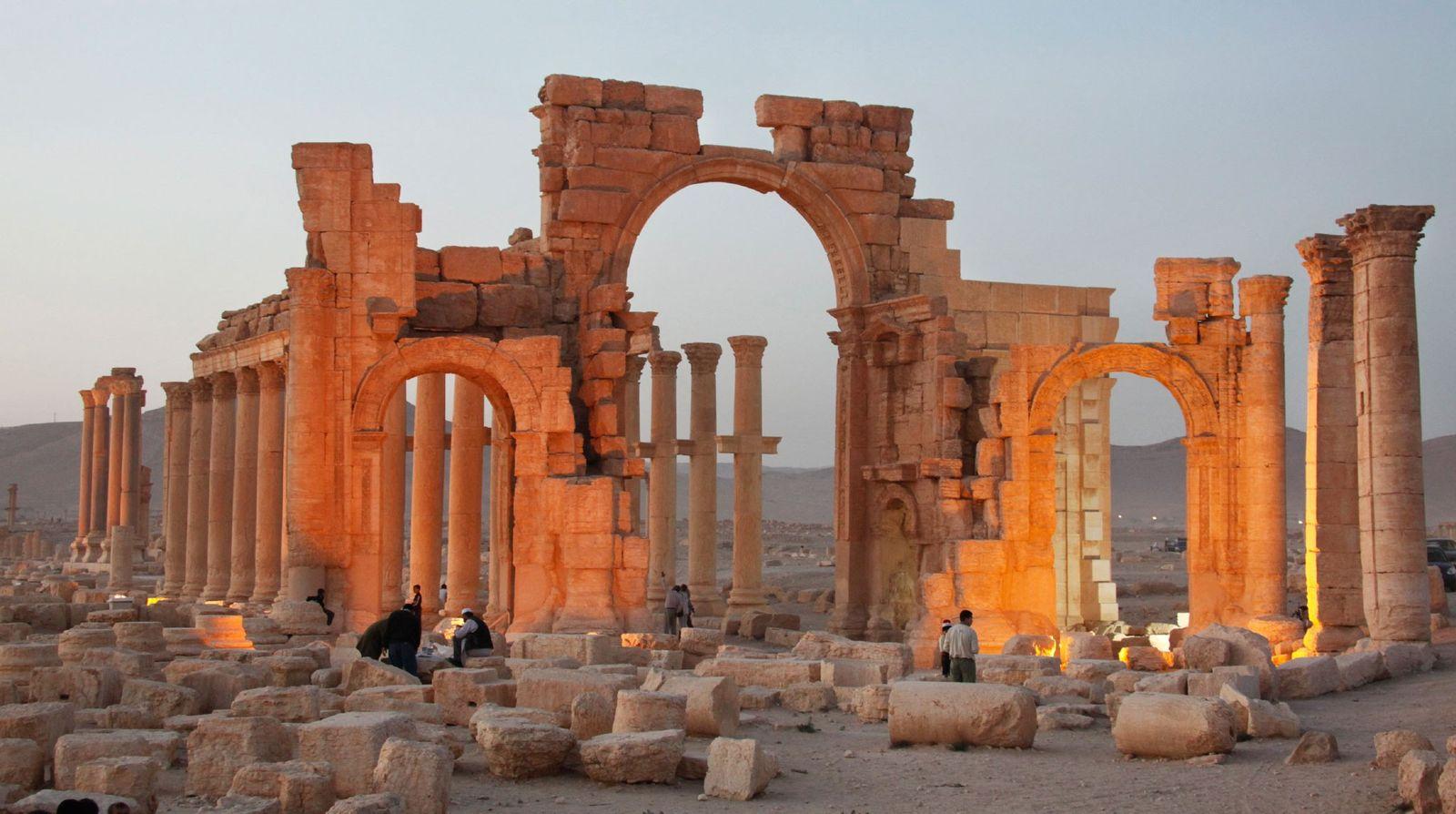 Os lugares antigos danificados e destruídos pelo Isis