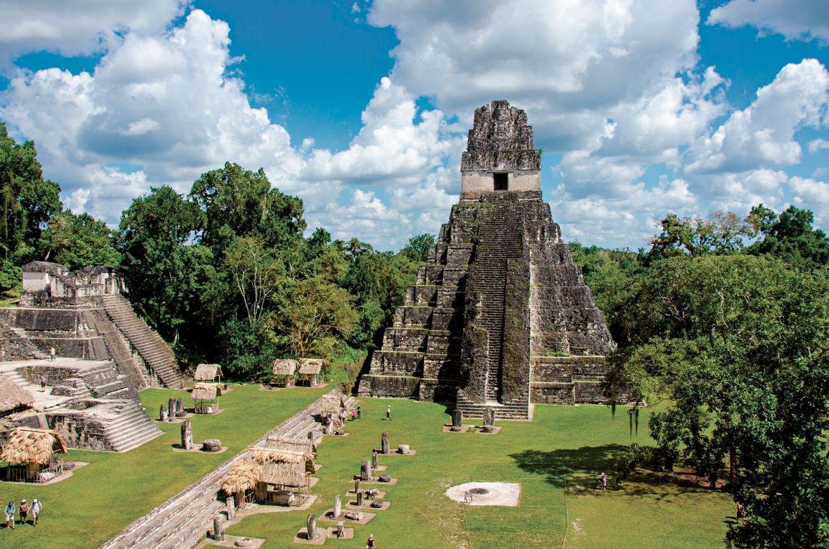 Guatemala O Templo do Grande Jaguar se ergue sobre a praça principal da antiga cidade maia ...