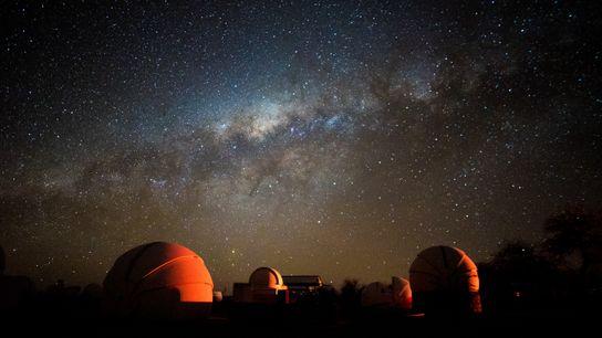 Todas as noites o Chile promove oportunidades de observar estrelas na região do Atacama, conhecida por ...