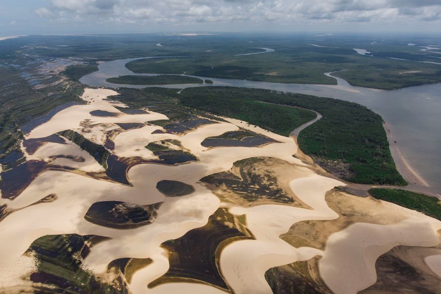 A Área de Proteção Ambiental do Delta do Parnaíba é uma unidade de conservação que protege ...