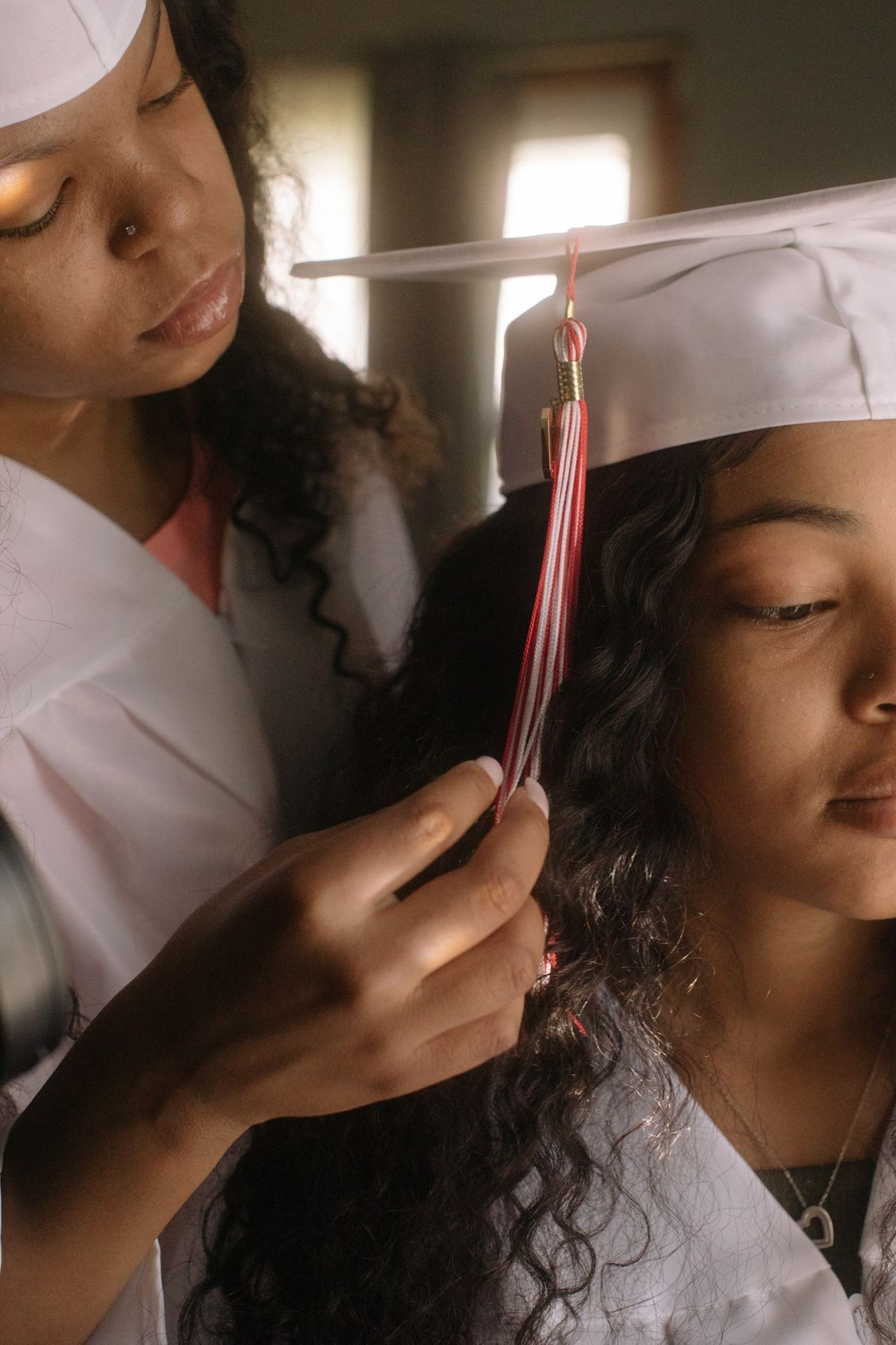 Na manhã da formatura do ensino médio, Anaste Berry e sua irmã gêmea, Zakiria Berry, ambas ...
