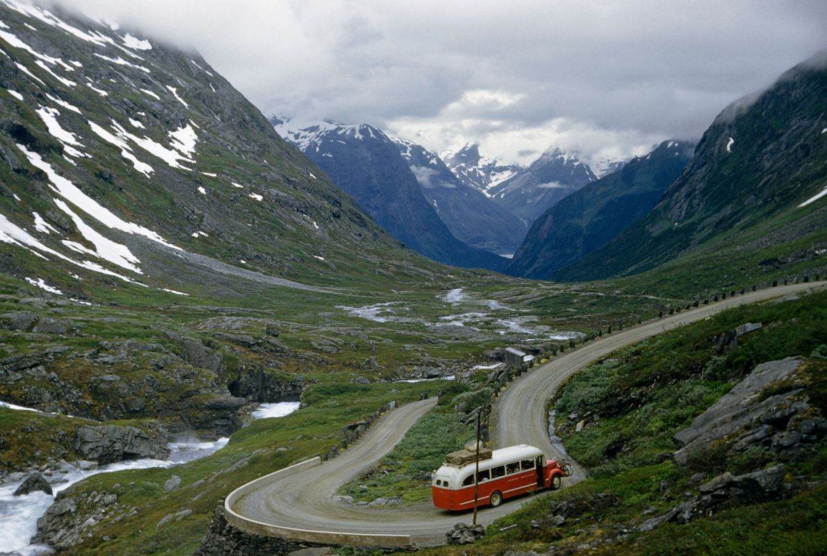 Vale Hjelle, Noruega: 1957