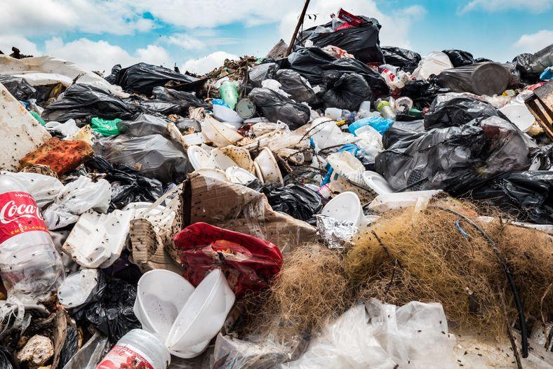 Material recolhido nas comunidades ribeirinhas nas proximidades de Manaus, na maioria plásticos descartáveis.