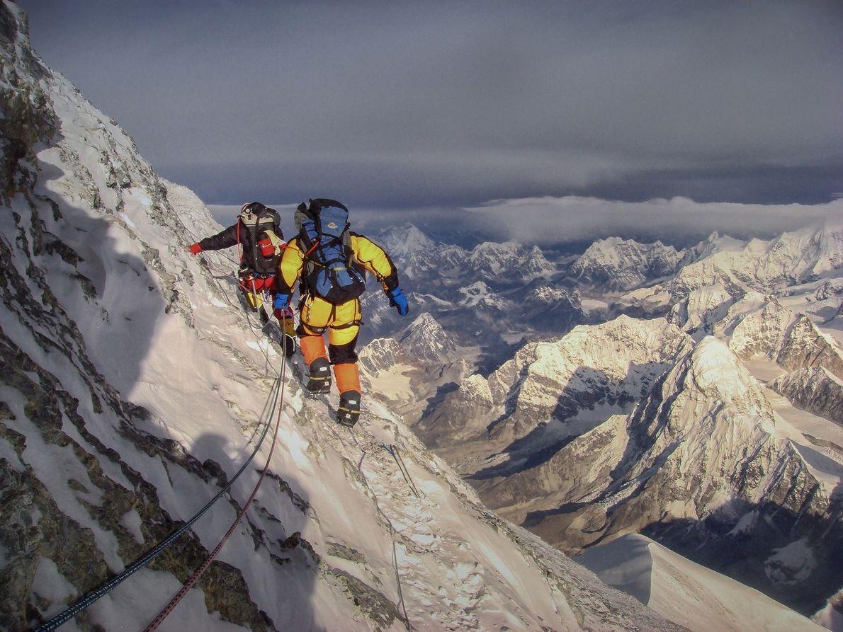 pico piramidal do Monte Everest