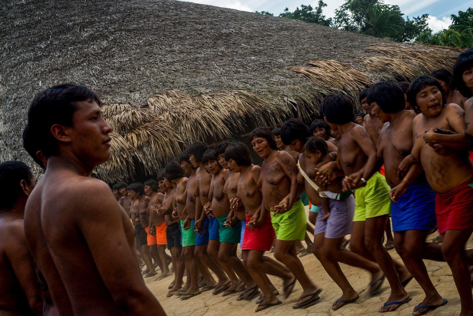 Em 1972, a população de waimiris atroaris era de 3 mil pessoas, de acordo com a ...