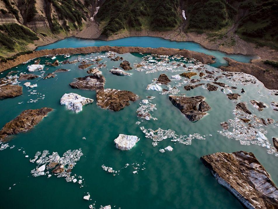 Uma visão aérea das impressionantes paisagens do Ártico