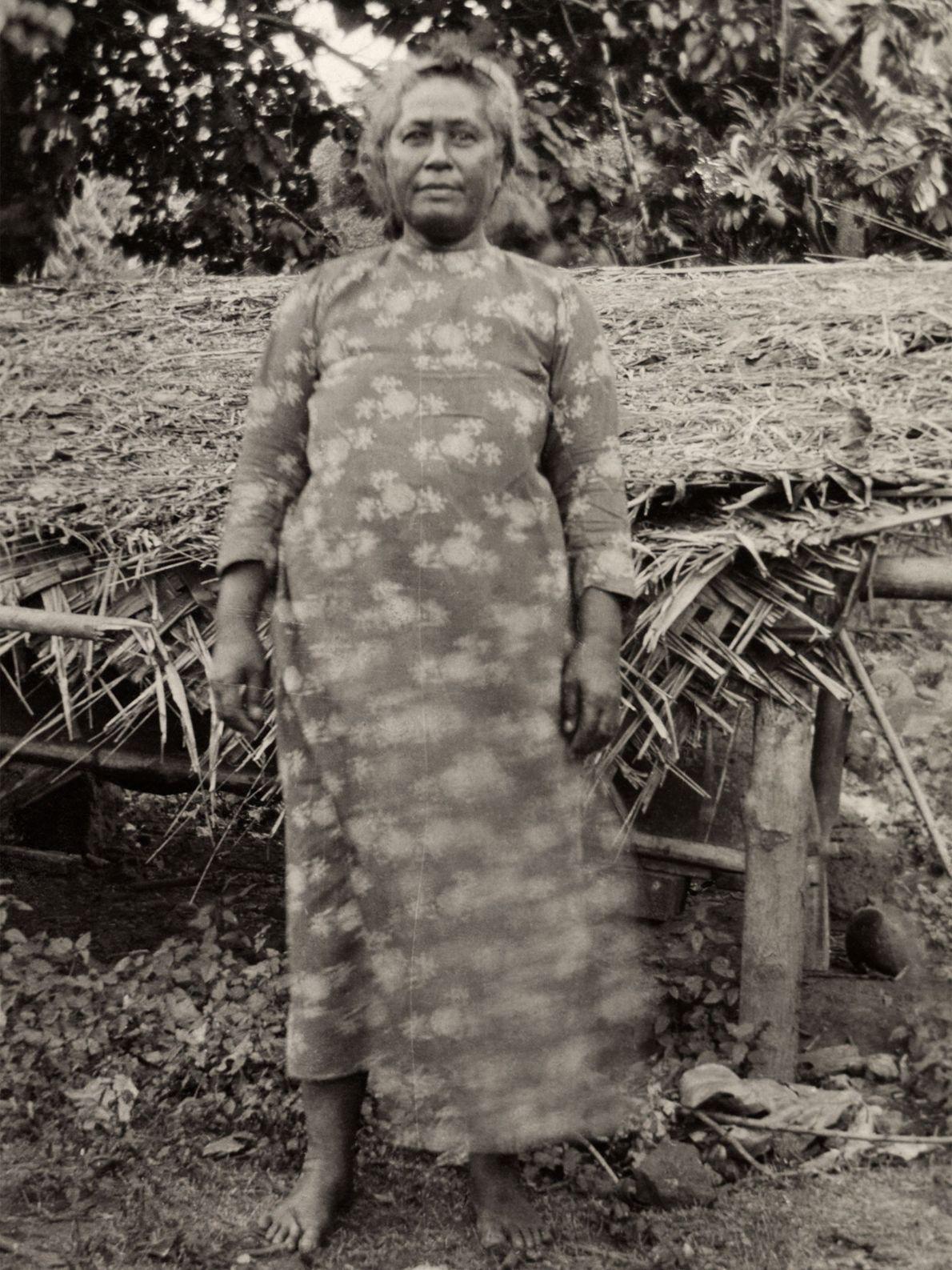 A rainha da Ilha de Nuku Hiva, a maior das Ilhas Marquesas no território francês das ...