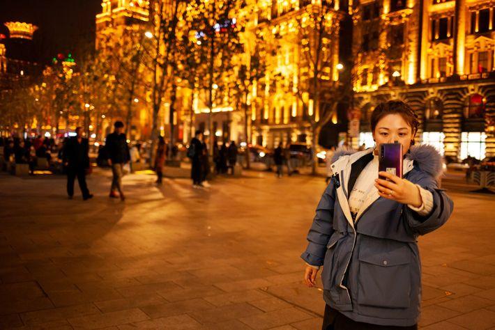 O governo chinês bloqueia o acesso a sites e algumas redes sociais, mas estrangeiros usam serviços ...