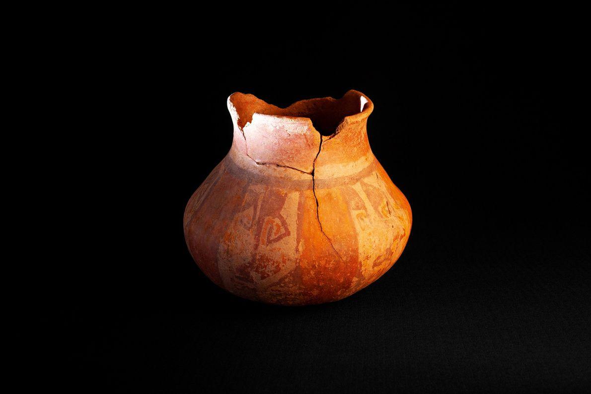 Jarro monocromático da primeira fase, ou cultura proto-diaguita, encontrado em El Olivar.