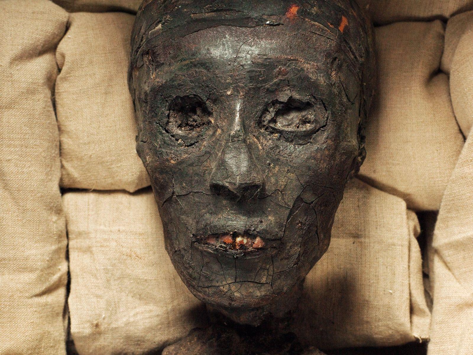 mumia-tutancamon-egito-antigo