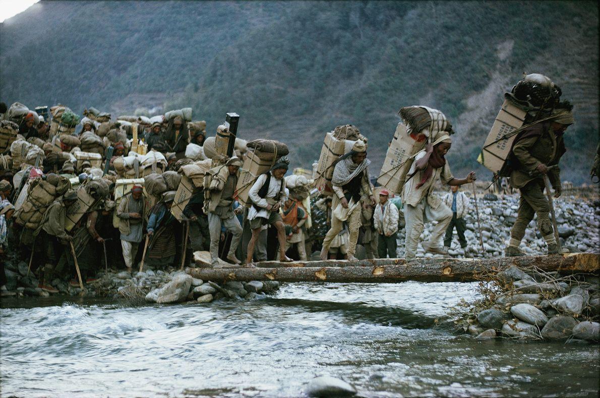 carregadores-xerpas-everest-1963