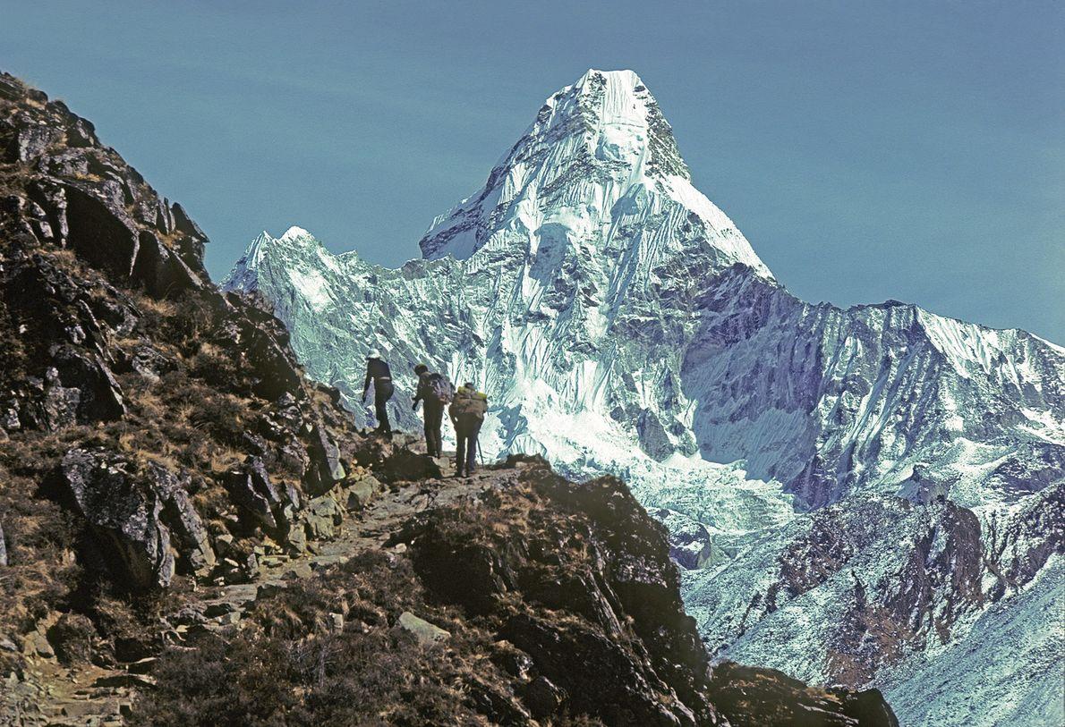 escaladores-monte-everest-ama-dablam