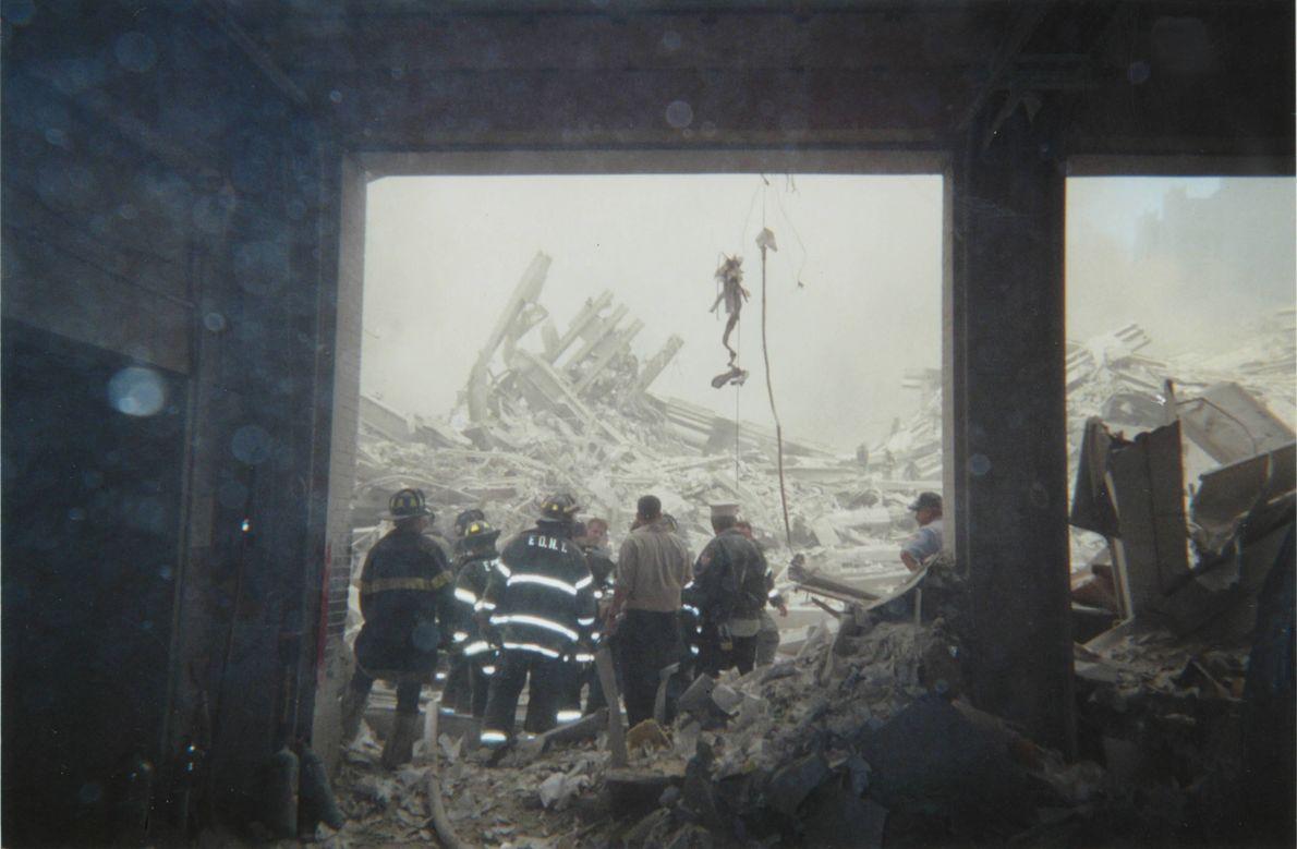 Rua Liberty e destroços