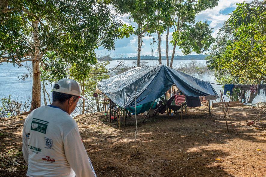 Ribeirinhos deslocados pela usina de Belo Monte ainda aguardam moradia