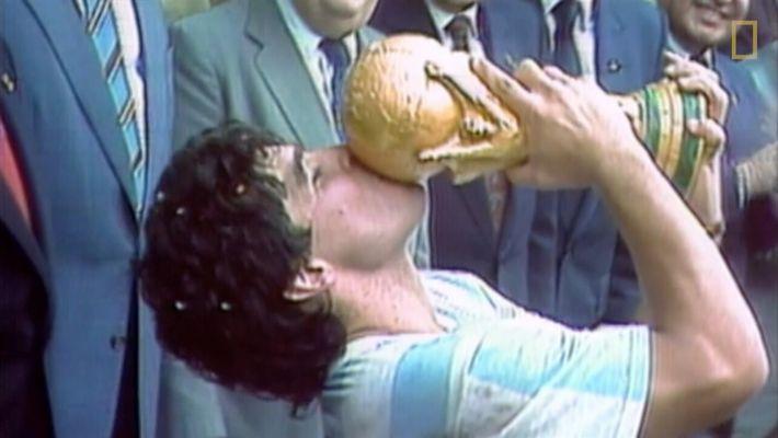 """Diego Maradona: """"Sou um lutador de boxe, que até cai, mas sempre se levanta"""""""