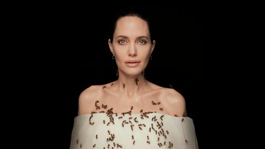 Veja Angelina Jolie coberta por abelhas em um ensaio para a National Geographic