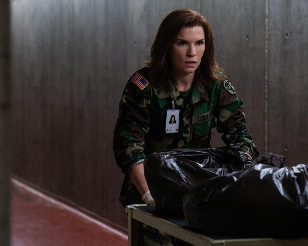 A Dra. Nancy Jaax, veterinária do exército, trabalha com uma equipe militar secreta da Swat e ...