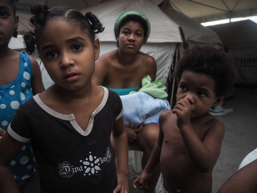 Crianças venezuelanas em acampamento para refugiados em Boa Vista, Roraima.