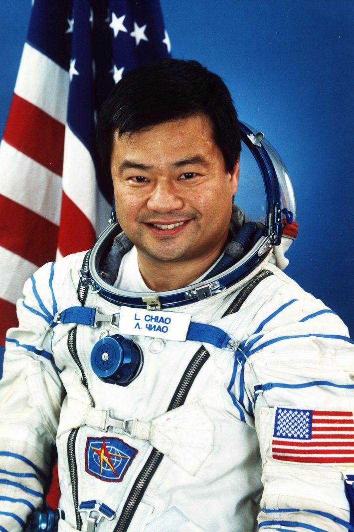 Ex-comandante da Estação Espacial Internacional, o astronauta Leroy Chiao participou de quatro missões espaciais e passou ...