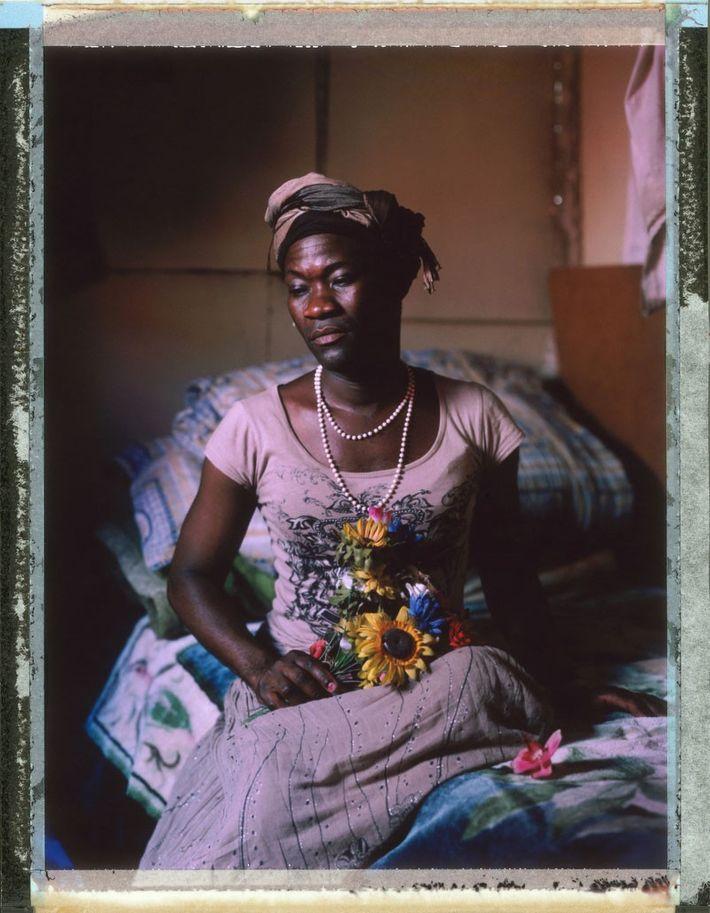 Tiwonge Chimbalanga de Malawi. Em 2009, Tiwonge e seu marido Steven foram presos e acusados de ...