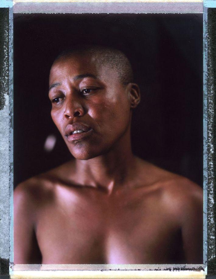 Milli, 35, África do Sul. Em abril de 2010, Milli se hospedou na casa de um ...