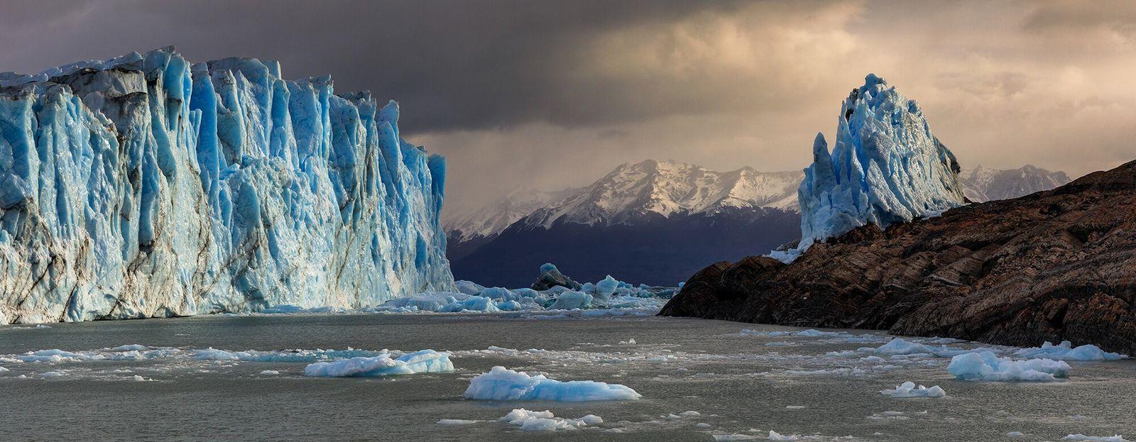 Los Glaciares, Argentina   A geleira Perito Moreno, no Parque Nacional de Los Glaciares, na Argentina, ...
