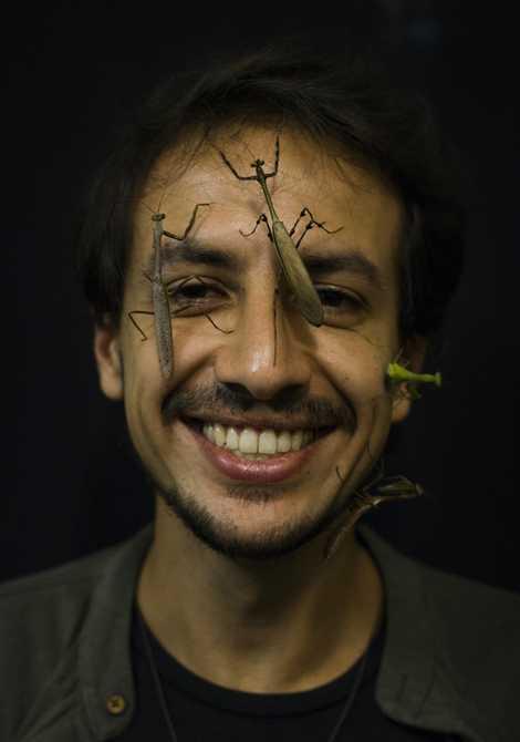 Apaixonado por louva-a-deus, o biólogo realiza expedições pela Mata Atlântica para ampliar nosso conhecimento sobre o inseto.