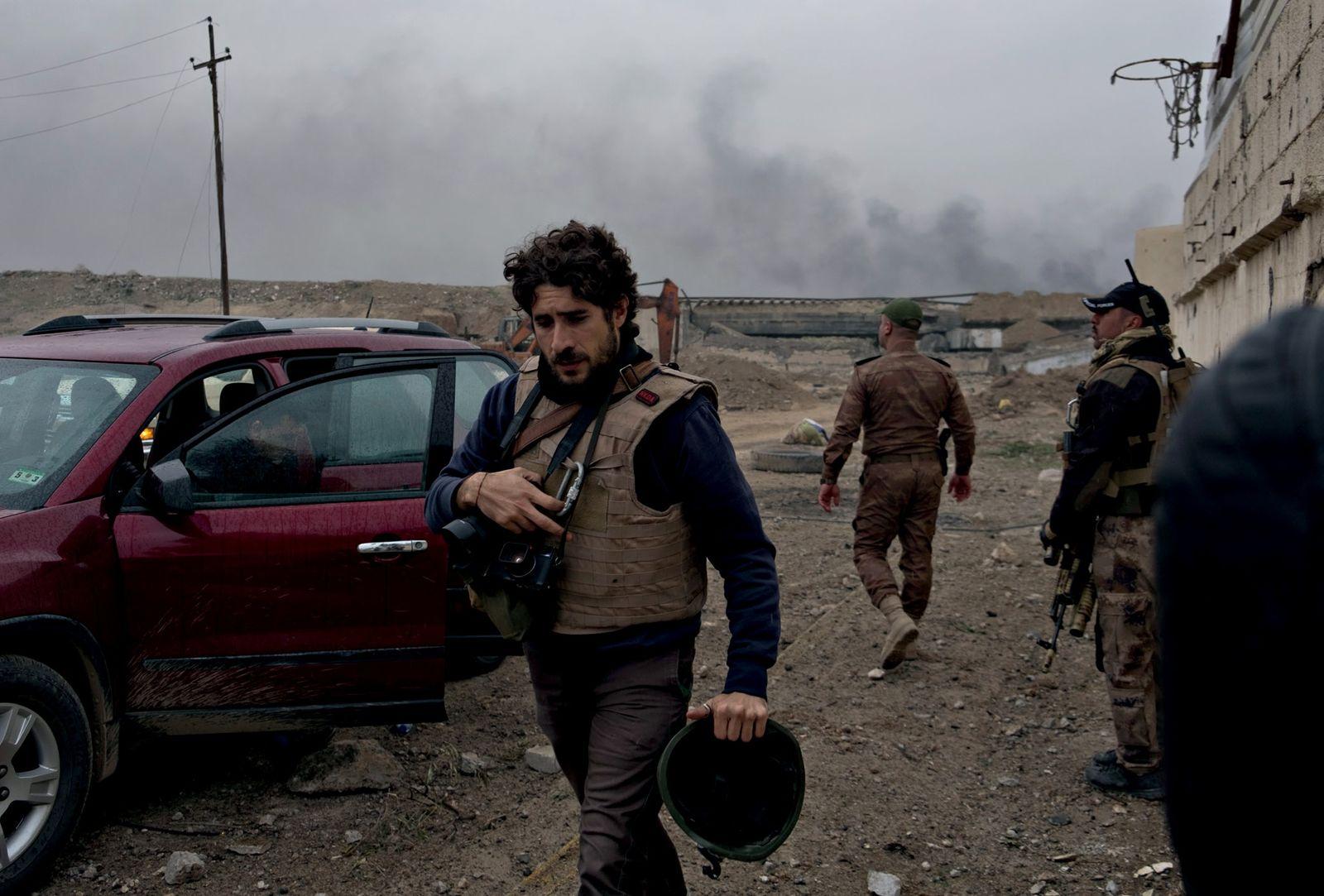 FOTOS: O improvável cotidiano dos fotógrafos de guerra