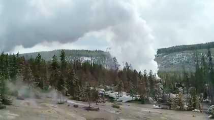 Gêiser mais forte do mundo volta a atividade com três erupções