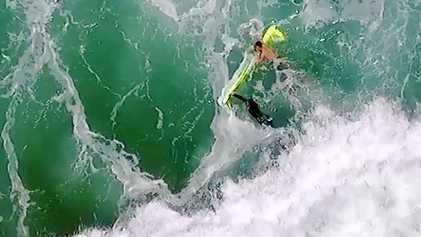 Pela primeira vez, salva-vidas usam drone para salvar banhistas