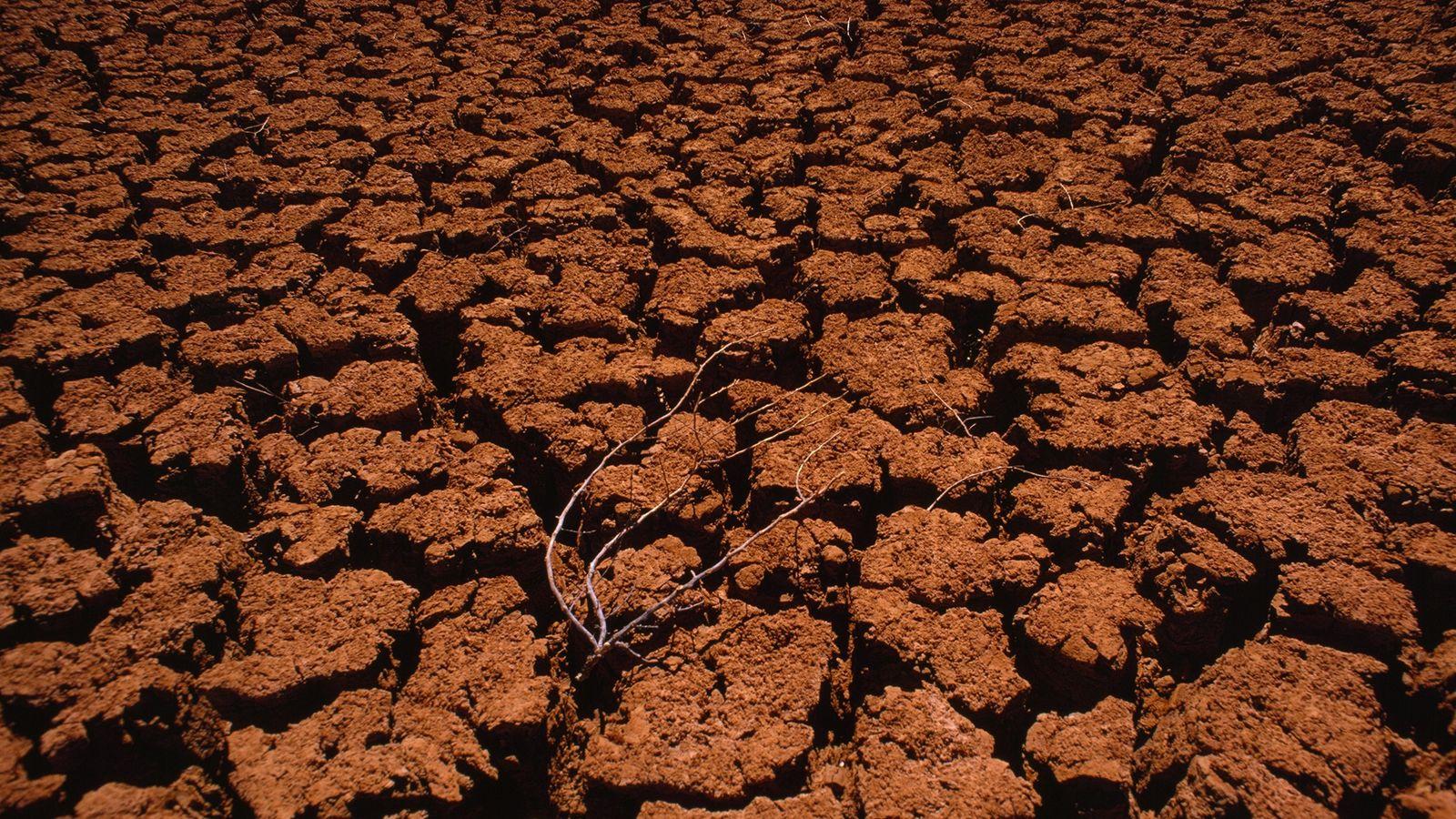 Eventos climáticos severos, como secas e inundações, serão cada vez mais frequentes caso as metas de ...