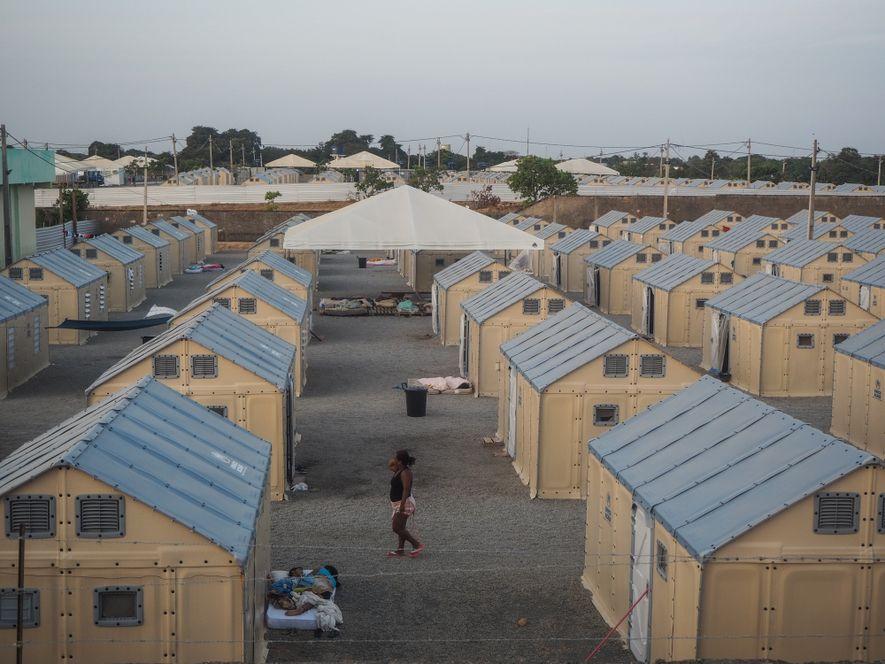 Abrigo temporário para imigrantes em Boa Vista, Roraima.