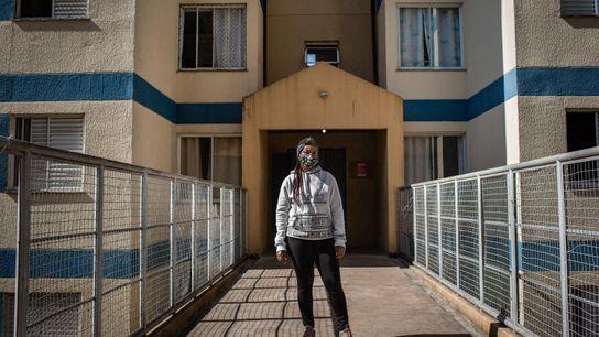 Claudia Amaral, 33 anos, é presidenta da rua Gerônimo de Campos Freire, endereço deste condomínio de moradia ...