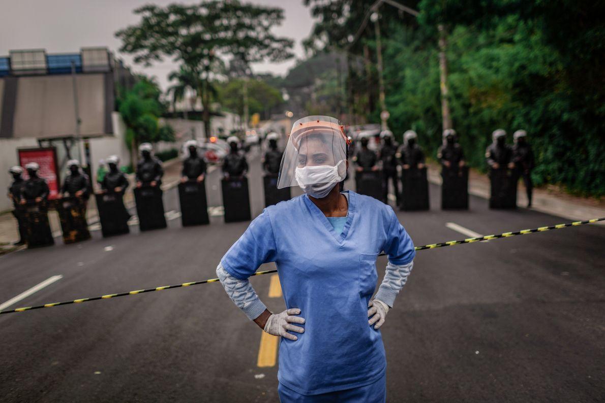 Moradores de Paraisópolis pediam uma atuação mais assertiva contra a pandemia por parte do Estado, praticamente ...