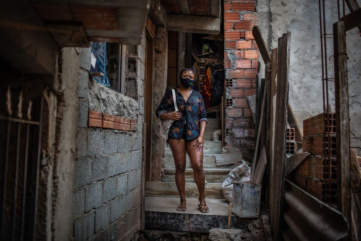 Dilmara Pinheiros dos Santos, 28 anos, trabalhava como empregada doméstica e foi despedida no meio da ...