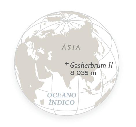 O monte Gasherbrum II se eleva a 8,035 m – uma das 14 montanhas da Terra ...